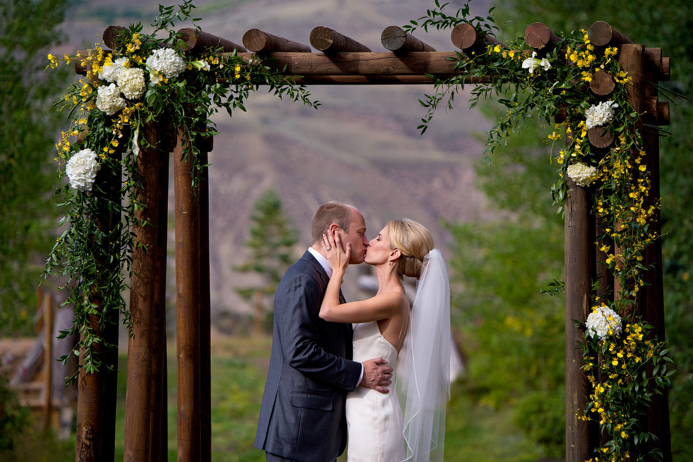 Halifax_Wedding_Photographer_Aspen_Colorado_MaroonBells-I+T-33